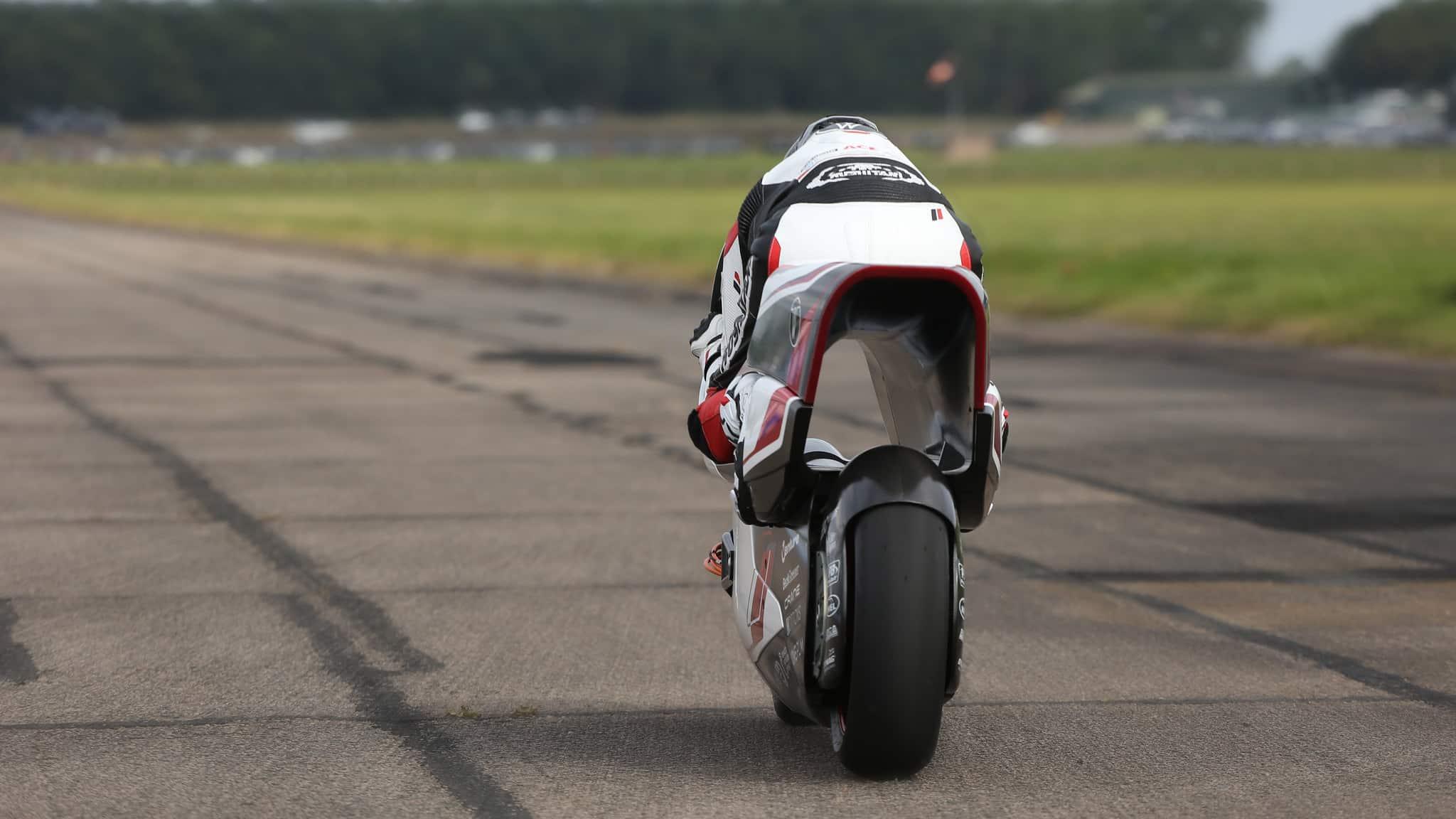 white motorcycles wmc250ev rear end.